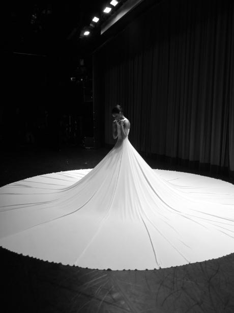 FANA TESFAGIORGIS backstage before Splendid Isolation II. Photo by ELIZABETH WASHINGTON.